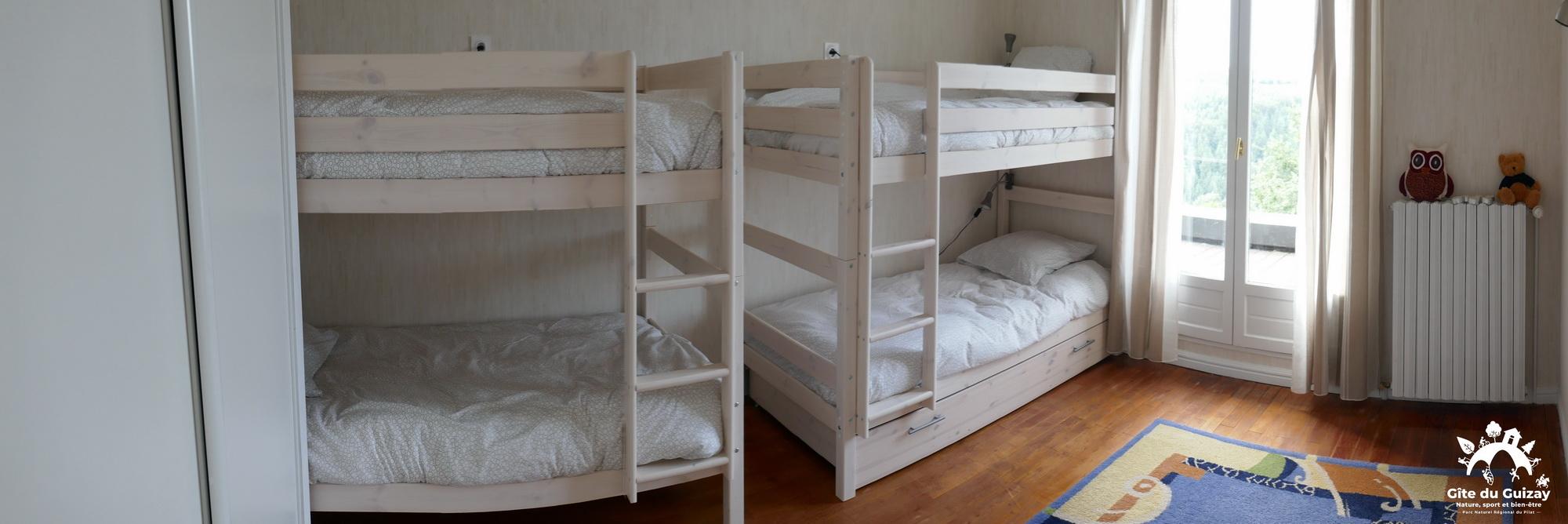 gite du guizay chambre 4 lits