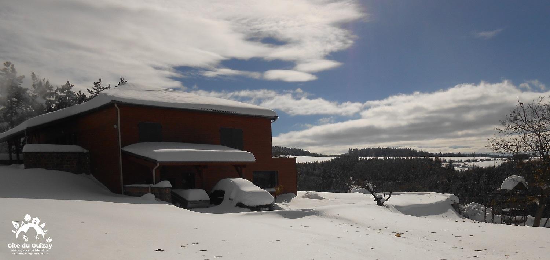 Gite du guizay neige1